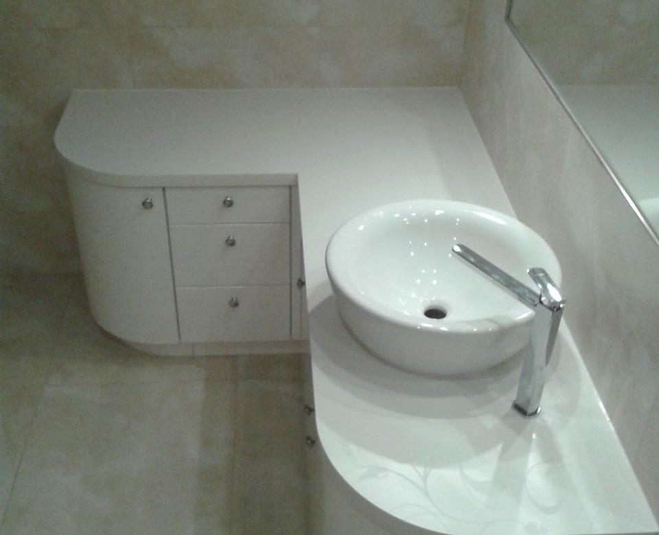 łazienki Meble Na Wymiar Szafy Wnękowe Meble Kuchenne